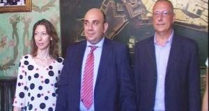 Da sinistra, Grazia Miceli, il sindaco Garozzo, e Giovanni Sallicano.