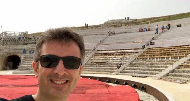 Picone scatta un selfie al teatro greco.